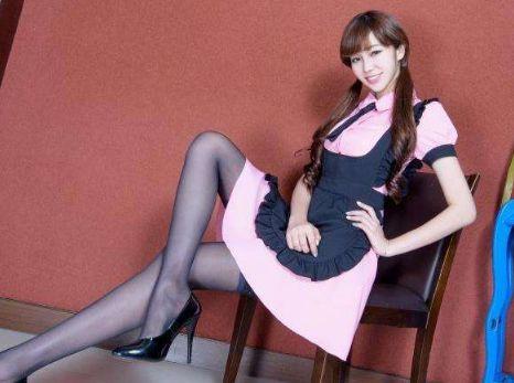 美女图片:美女女仆装私房照高清写真[多图]图片3