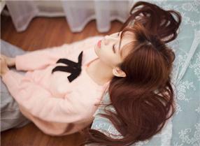 美女图片:清纯甜美美女治愈系写真[多图]图片4