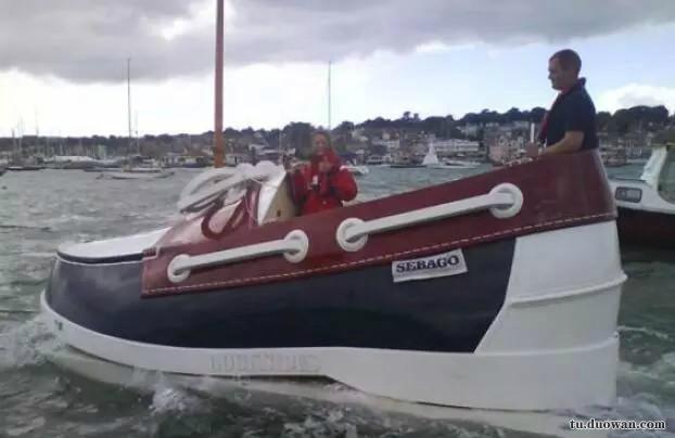 爆笑?图:大哥,这个船会不会有脚臭啊![多图]