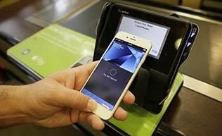 鸟人哔哔第51期:Apple Pay上线 指纹支付方便快捷