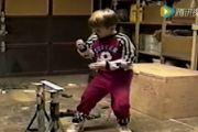 搞笑视频:小朋友各种运动时扑街爆笑合集!