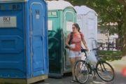 搞笑恶搞视频:我的天呐!厕所惊魂奇遇记!