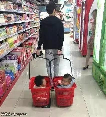 搞笑图片:爸爸下次逛超市不要带我出来我嫌丢[多图]图片1
