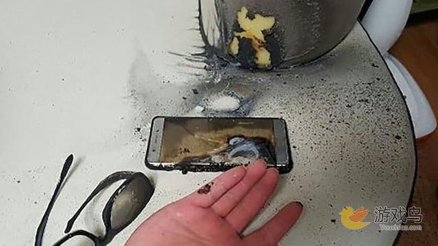 据称三星Note7起火可能是曲屏设计造成的