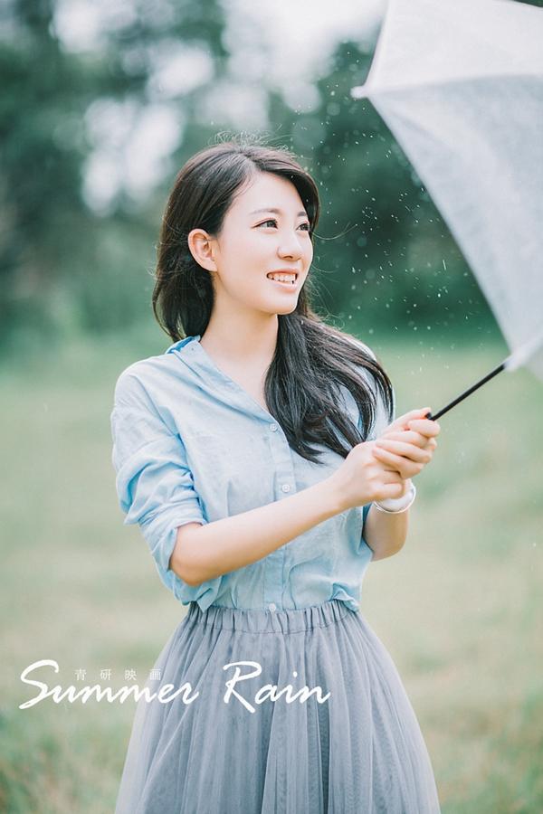 美女图片:清纯漂亮女孩户外雨伞写真集!