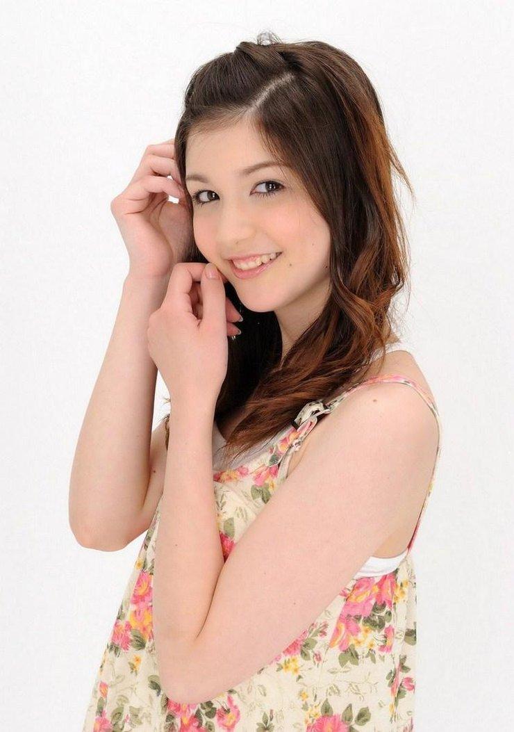 美女图片:日韩美女甜美装扮写真[多图]图片10
