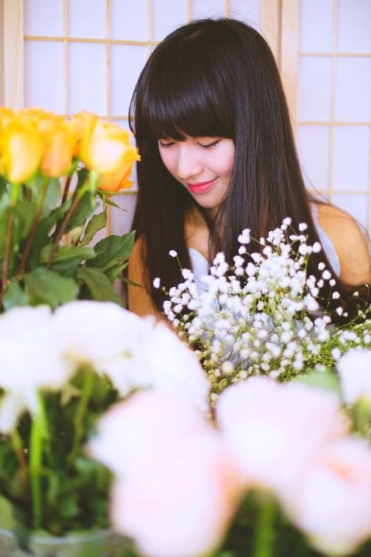 美女图片:长直发刘海清纯瓜子脸美女写真[多图]图片3