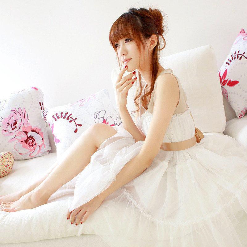 美女图片:甜心美女小护士私房诱惑写真[多图]图片1