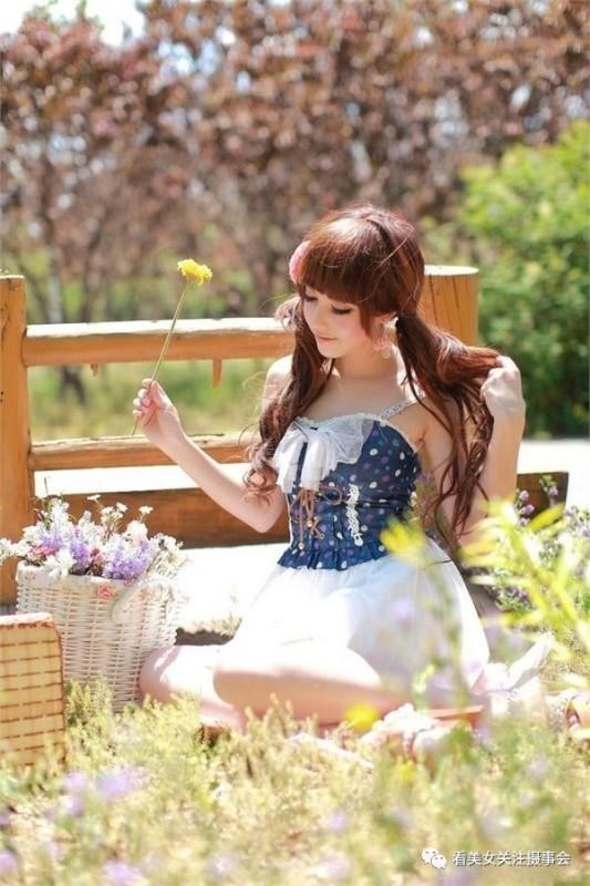 美女图片:时尚清新美少女的郊游随拍[多图]图片1