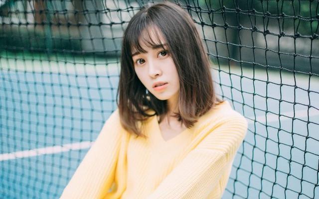 美女图片:小妹清纯甜美操场写真[多图]图片6