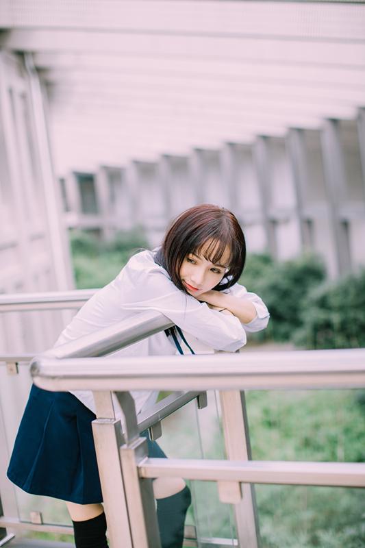 美女图片:新晋国民初恋又又 校园清纯写真[多图]图片4